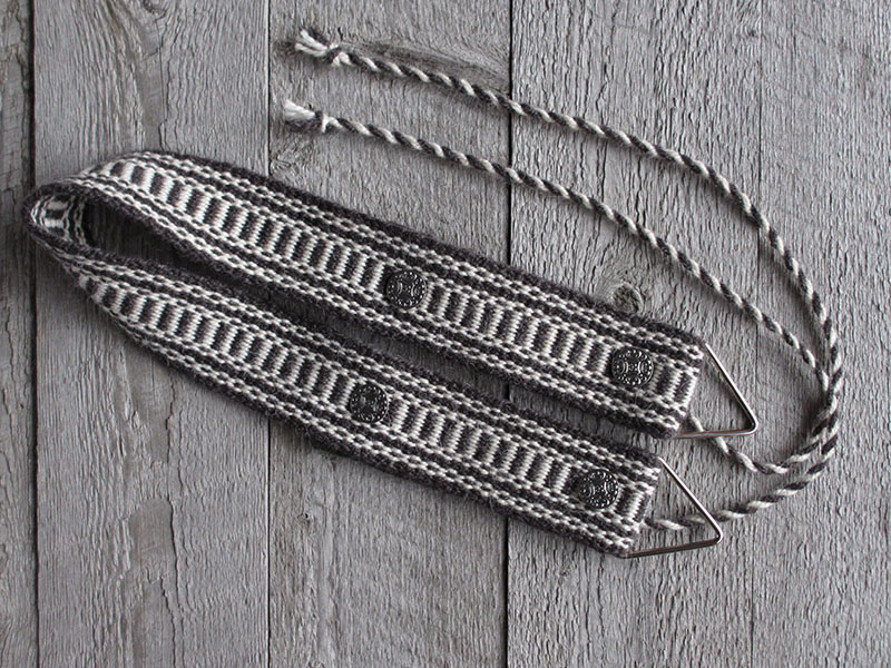 Weaving belt, black and white