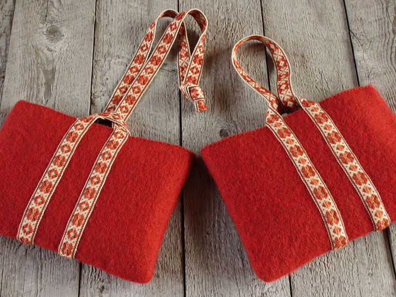 Pouches with pick-up handles